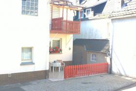 Foto 3 1-2 Familienhaus
