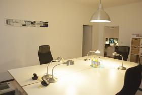 1-3 Arbeitsplätze in Gemeinschaftsbüro im Münchner Westend frei - seperater Raum!