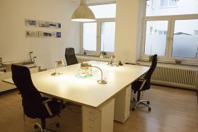 Foto 2 1-3 Arbeitsplätze in Gemeinschaftsbüro im Münchner Westend frei - seperater Raum!