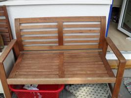 1 Gartenbank + 2 Stühle aus Holz