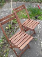 Foto 2 1 Gartenbank + 2 Stühle aus Holz