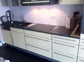 Foto 2 1 Jahr alte Küchenzeile mit Juno und Miele Geräten