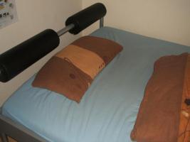Foto 3 1 schönes 140 x 200 cm Bett inklusiver Kaltschaummatratze und Federholzrahmen