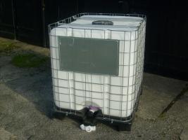 1000 liter ibc regenwasser beh lter neu in hannover von privat regentonne. Black Bedroom Furniture Sets. Home Design Ideas