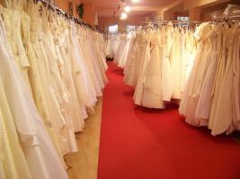 1000 neue Brautkleider ab € 250.-