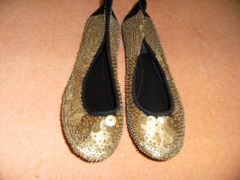 Foto 2 11 Paar Damenschuhe und Stiefeletten größe 39-40 alle nagelneu güstig zu verkaufen