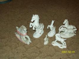 Foto 2 12 super schöne Porzellanpferde