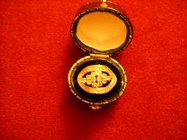 Foto 2 18 Karat Ring, gelb- und Weißgold mit Steinen