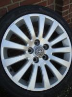 18 ''Original Opel Insignia 5x120  angeboten  4x 245/40 R18 Marsel Sommerreifen auf 18 Zoll original Opel insignialichtmetalen Räder (8J X 18). Reifen und Felgen sind in gutem Zustand (siehe Fotos)  Reifen Profil: 4x 8 mm New ALLS  Legen Sie Größe: 5X120