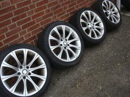 Foto 2 18 Zoll Original BMW Styling 135 Felgen & Reifen (Einsatz 5 X 120)  Farbe: Silber Durchmesser: 18 Zoll Rastermaß: 5 x 120 Offset: 20 Band Marke: HP Sport Reifengröße: 245 / 40R18 Preis: € 549.-  Exchange ist, wenn angemessene möglich!  220