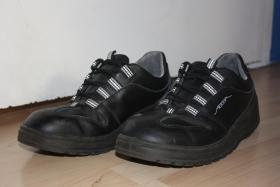1x getragen! Abeba Sicherheitsschuhe 1038, schwarz, Gr��e 43