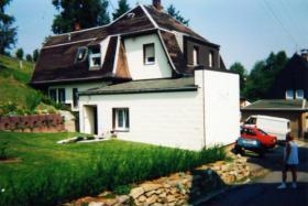 Foto 2 2-Familienhaus, ideal als Generationenhaus und für Tiere