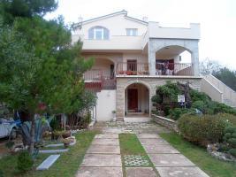 2 Ferienwohnungen in Jadrtovac bei Šibenik - Dalmatien - max. 10 Personen