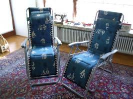 2 Liegestühle in Blau sehr aufwendig verarbeitet