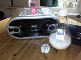 2 MP3-Player von Apple , 2 Verstärker , 1 Steroanlange von Philips und eine von scott mit DVD