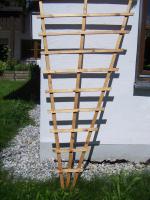 2 Rankgitter aus lackiertem Holz