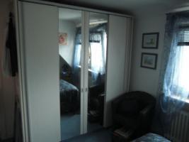 2 Schwebetüren Kleiderschränke mit Spiegel weiß / grau