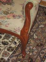 Foto 3 .2 Sessel -breit- mit Muster und Schnitzereien