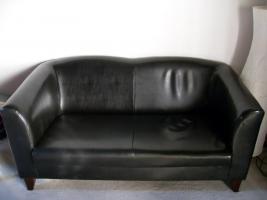 2 Sitzer wie NEU, Kunstleder schwarz