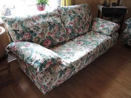 2 Sofas, 2-sitzer, Blumenmuster, mit Wechselbezügen weiß