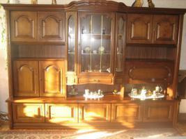 2 Wohnzimmerschränke und 1 Phonoschrank, Nussbaum antik