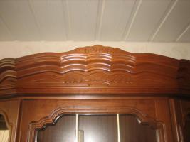 Foto 3 2 Wohnzimmerschränke und 1 Phonoschrank, Nussbaum antik