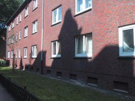 Foto 3 2 Z KDB Oberhausen-Sterkrade Mitte gepflegt ISO Laminat zum 01.01.2013