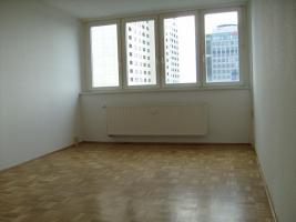 2-Zimmer-Wohnung, 50 qm, zentrale Lage, ganz oben