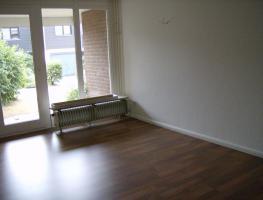 Foto 4 2 Zimmer –Wohnung, ca 75 qm, Badezimmer, Küche, Abstellkammer u. Terrasse