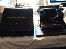Foto 3 2 alte Schreibmaschine