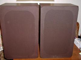 2 grosse Lautsprecherboxen - 60 mal 37 mal 25 cm- toller Klang