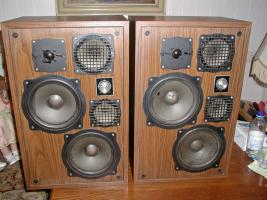 Foto 2 2 grosse Lautsprecherboxen - 60 mal 37 mal 25 cm- toller Klang