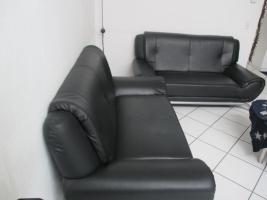 2 mal Leder Couch zu Verkaufen