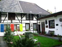 Foto 2 2 renovierte Fachwerkhäuser auf 1400m² im Grünen, zentrumsnah