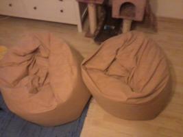 Foto 2 2 sitzsäcke mit Styropor kugeln innendrinnen. preis verhandelbar
