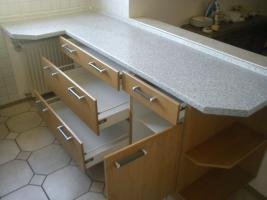 Foto 6 2-zeilige Einbauküche