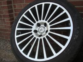 20 ''1000 MIGLIA MERCEDES ML Klasse R Felgen & Reifen 5x112  Schöne Mercedes Benz Felgen mit Reifen. Komm unter meine M-Klasse aus. ML 270 W163  Größe: 20 Zoll Nabenbohrung: 66,6 Rastermaß: 5 x 112 ET: 45  Reifengröße: 275/55/20 2 Reifen mit 4mm Profil 2