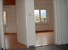 Foto 2 2.5Zi.Wohnung im Bergdorf ValensSG, Schweiz, mit gr.Garten, neu Renoviert,780.-