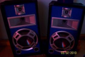 2mal Boxen mit blauen led´s