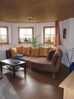 3 1/2 Zimmer Wohnung in ruhiger Lage, ABNähe, Teilort von 72160 Horb a. N. ab 1.8.2012. Mit Bad/Dusche, geräumige Wohnküche, Autoabstellplatz