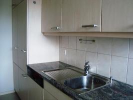 3 Einbauküchen (inkl. Geräte)