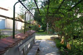 Foto 2 3 Familienhaus mit 2154 qm Garten !!!