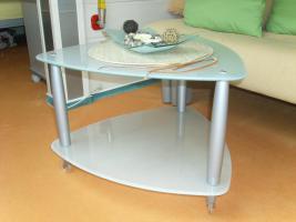 Foto 4 3 er Set aus Schlafsofa, Sessel und Glastisch