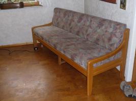 Foto 2 3 Stühle und Bank
