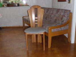 Foto 3 3 Stühle und Bank