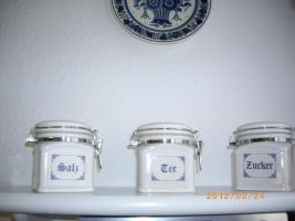3 Vorratsdosen aus Porzellan
