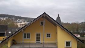 3 ZKB-Traumwohnung mit 2 Balkonen und Panoramablick zu vermieten!