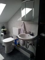 Foto 2 3 Zimmer DG-Wohnung, mit EBK, neu renoviert, neues Bad in ruhigem 3-Familien-Haus