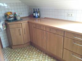 Foto 4 3 Zimmer DG-Wohnung, mit EBK, neu renoviert, neues Bad in ruhigem 3-Familien-Haus