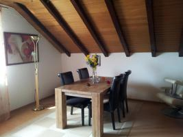 Foto 5 3 Zimmer DG-Wohnung, mit EBK, neu renoviert, neues Bad in ruhigem 3-Familien-Haus